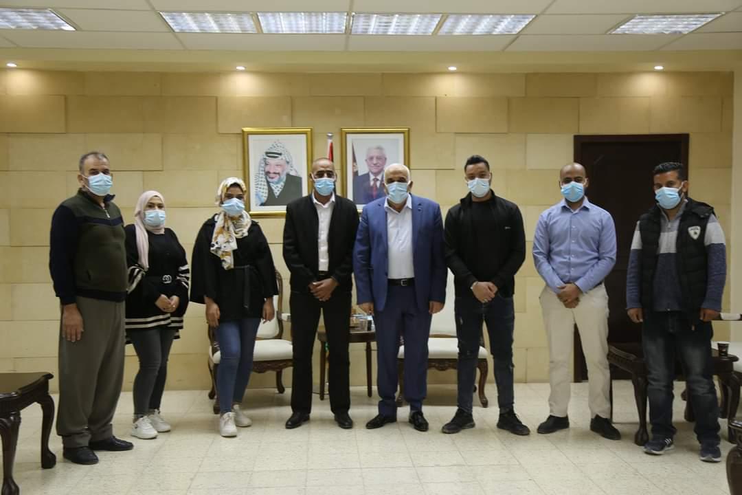Photo of محافظ أريحا والاغوار يلتقي وفد الاتحاد الوطني للشباب الفلسطيني