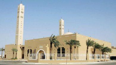 """Photo of """"الشؤون الإسلامية"""" ترصد التزام الجوامع والمساجد بالاقتصار على نقل الأذان والإقامة عبر مكبرات الصوت (فيديو)"""