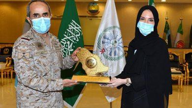 Photo of رئيسة الجامعة الإلكترونية تزور كلية القيادة والأركان للقوات المسلحة