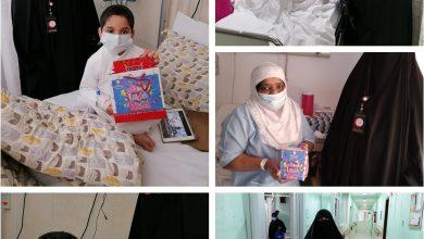 Photo of واعظات جمعية صندوق اعانة المرضى وزع الهدايا على المرضى